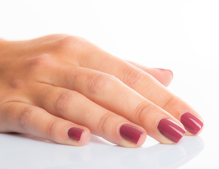 Vernis à ongles naturel #5 AMBITIEUSE 2