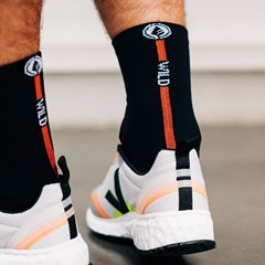 Chaussettes hautes multisports en ricin - black/orange