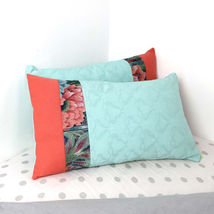 """Coussins recyclés """"Exotique"""" upcycling"""
