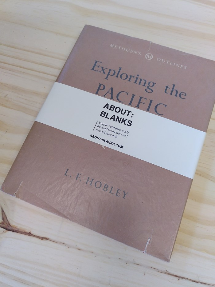"NOT A BOOK A NOTEBOOK ! ""EXPLORING PACIFIC"" de About Blanks 2"