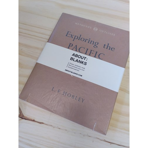 "NOT A BOOK A NOTEBOOK ! ""EXPLORING PACIFIC"" de About Blanks"