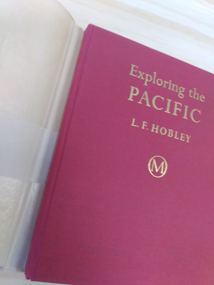 "NOT A BOOK A NOTEBOOK ! ""EXPLORING PACIFIC"" de About Blanks 4"