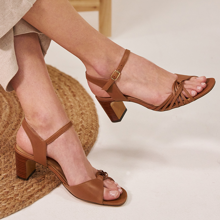 Chaussure-sandales-ecoresponsable-etreamis-modele-nadette-cuir-colori-marron-made-in-Portugal